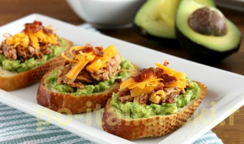 Кростини с авокадо