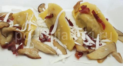 Равиоли с рикоттой и белыми грибами