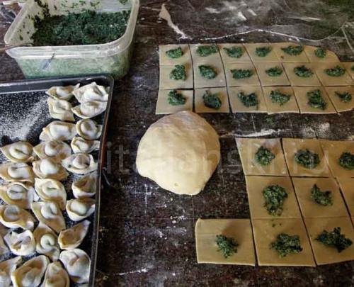 Блюдо из шпината пансоти
