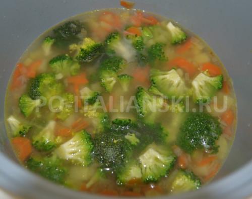 Суп из картофеля и брокколи